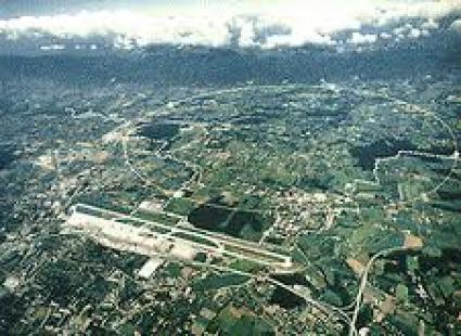 CERN - podziemny tunel LHC (Large Hadron Collider) o dł. 27 km
