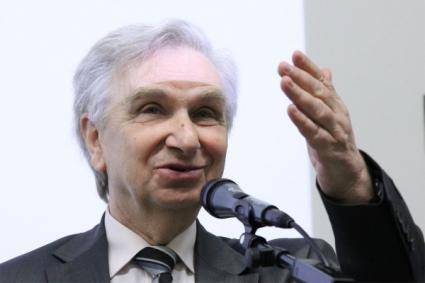 Prof. Ludwik Dobrzyński dyrektor Działu Edukacji i Szkoleń Narodowego centrum Badań Jądrowych